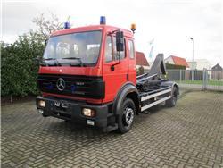 Mercedes-Benz 1827 Haakarm, Hook lift trucks, Transportation