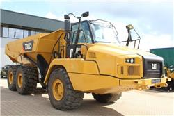 Caterpillar 730 C2, Knik dumptrucks, Bouw