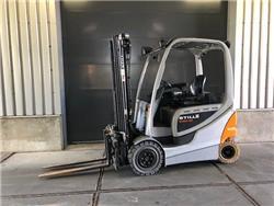 Still RX60-25, Elektrische heftrucks, Laden en lossen