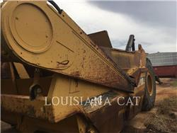 Caterpillar 631E, Raspadores, Construcción