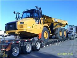 Caterpillar 725CWW, Caminhões-cisterna, Transporte