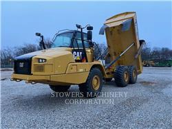 Caterpillar 730C2, Knik dumptrucks, Bouw