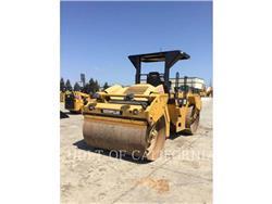 Caterpillar CB54, Asfaltadoras, Construcción