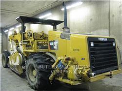 Caterpillar RM-300, Asfaltafwerkmachines, Bouw
