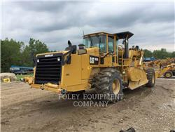 Caterpillar RM300, Asphalt pavers, Construction
