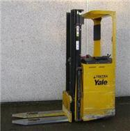 Yale SMS12S, Selvkørende stablere, Trucks