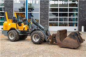 GiANT 451T X-tra, Mini Loader, Construction