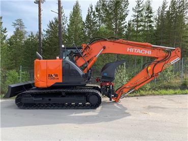 Hitachi ZX135 US-5B 2015, R4, oilquick 1145000:- - Crawler