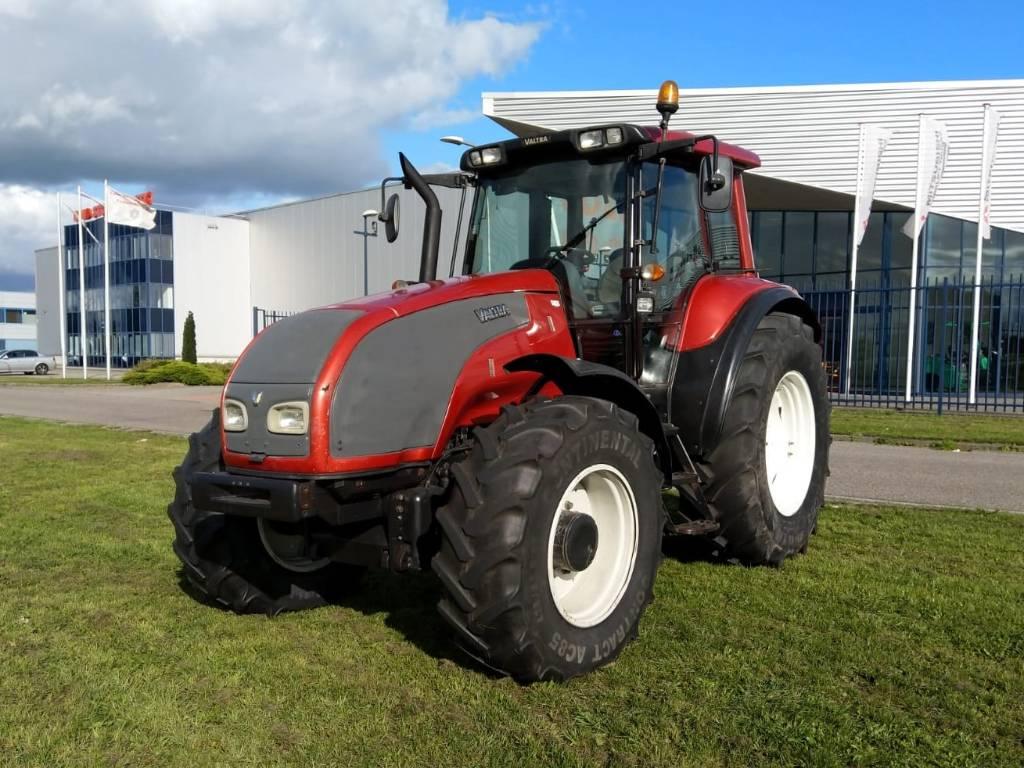 Valtra T190, Tractoren, Landbouw