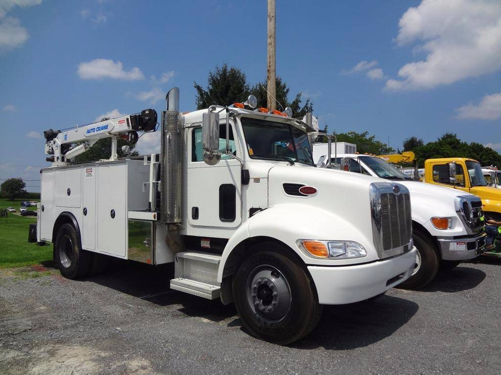 Peterbilt 335 Mechanics Service Truck TO159, Fuel Lube Trucks, Trucks and Trailers