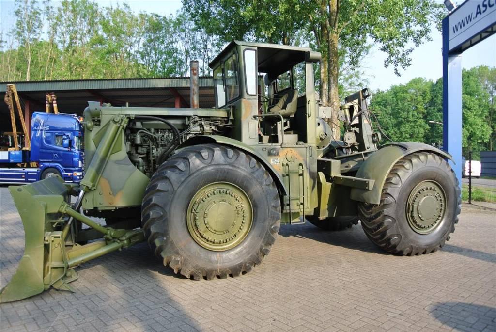 Caterpillar 830M, Dozers, Construction