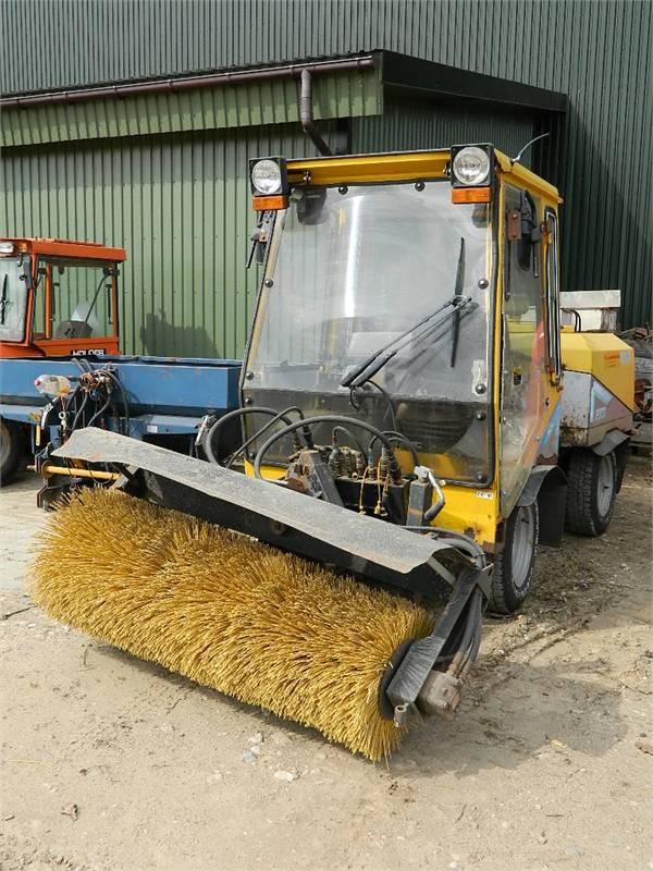 Wulff 2000, Kompaktie traktori, Komunālā tehnika