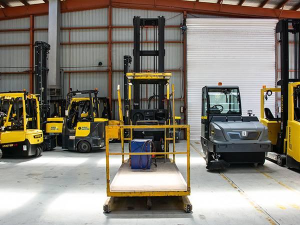 Hyster R30XMF2, High lift order picker, Material Handling