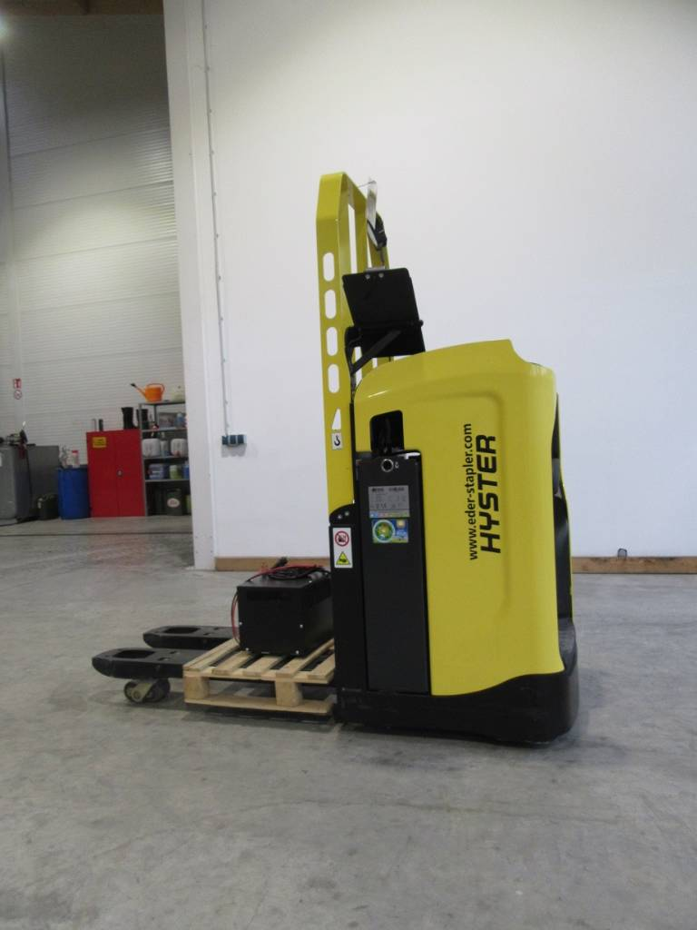 Hyster RP 2.0N, High lift order picker, Material Handling