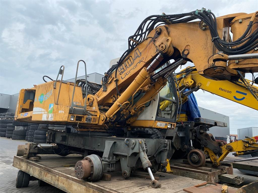 Liebherr A 904  (For parts)
