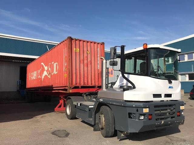 MOL Terminaltraktor 4WD RM255, Terminaltraktorer, Materialhantering