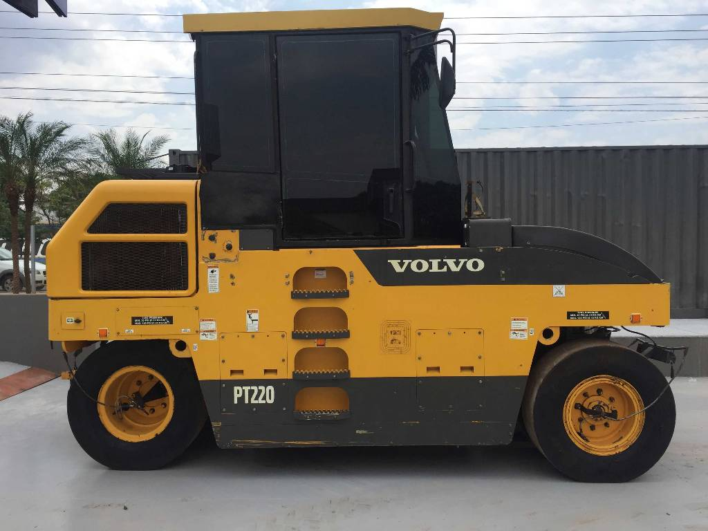 Volvo PT220, Pneumatic tired rollers, Construction Equipment