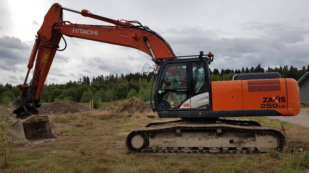 Hitachi ZX250LC-5B, Crawler excavators, Construction