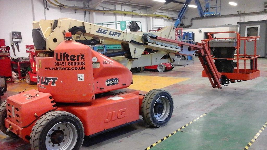 JLG M 450 AJ, Articulated boom lifts, Construction
