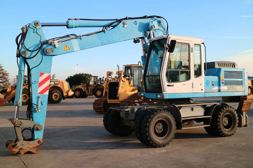 Liebherr A924, Wheeled Excavators, Construction Equipment