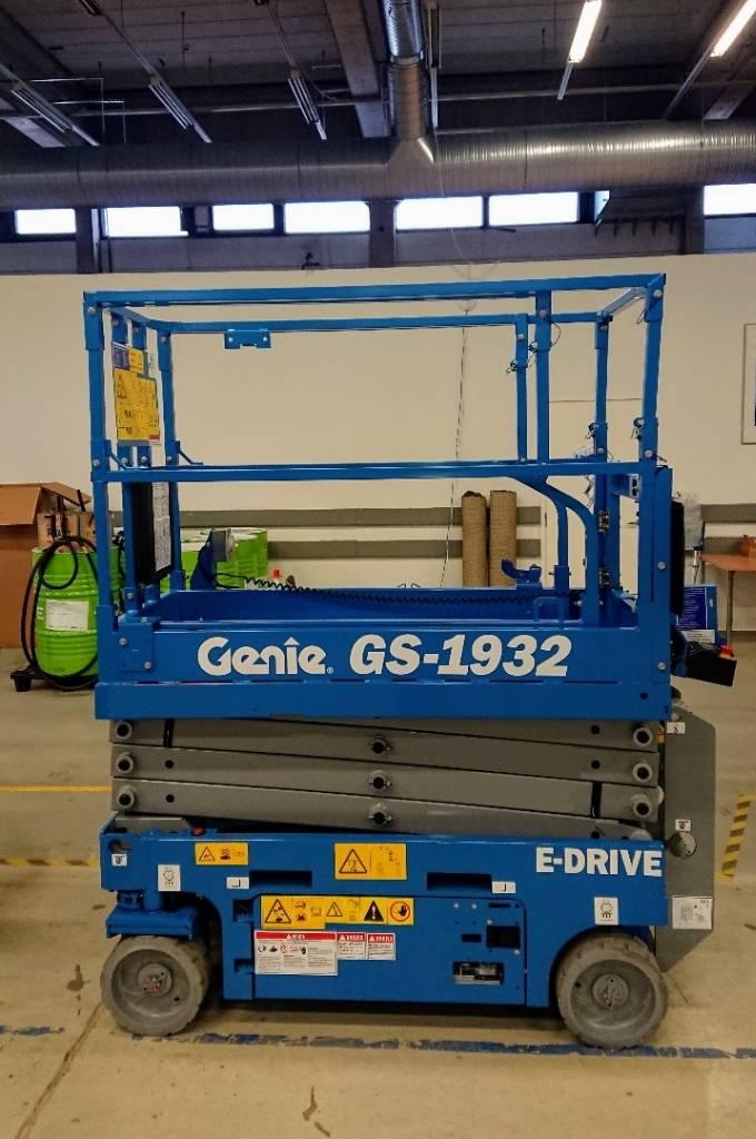 Genie GS-1932 E-drive, Saksilavat, Maarakennus