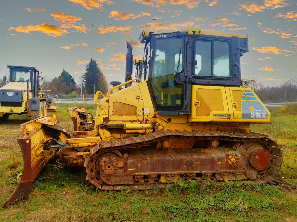 Komatsu D51EX-22, Crawler dozers, Construction Equipment