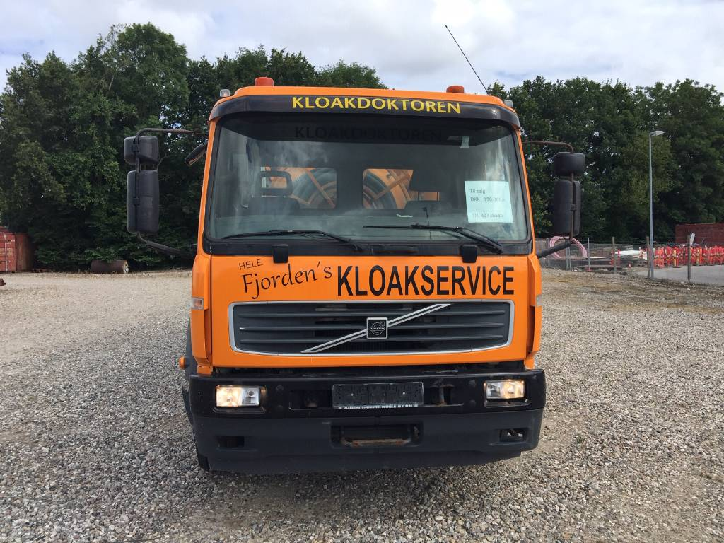 Volvo FL180, Slamsuger, Transport