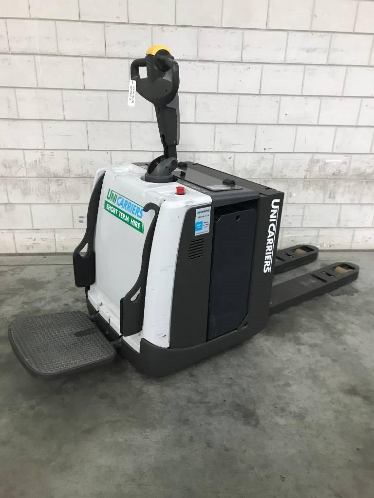 UniCarriers PMR200P, Pallettruck met meerij platform, Laden en lossen