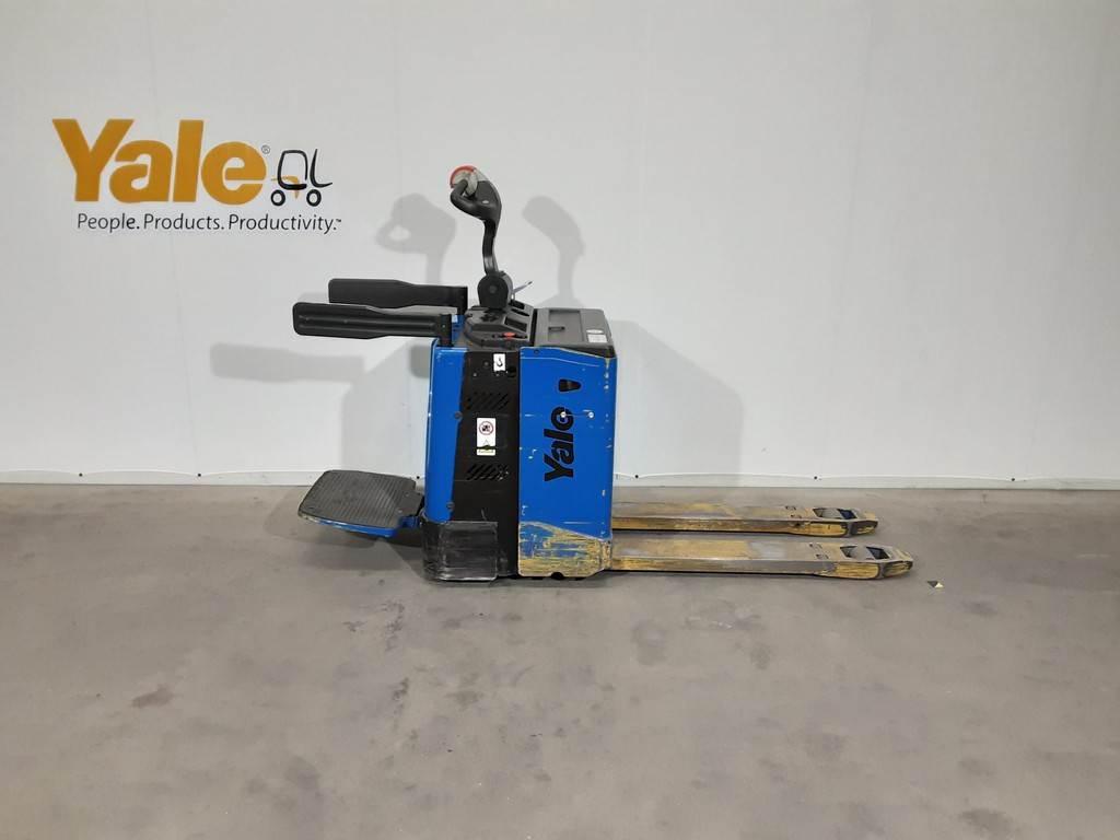 Yale MP20X, Pallettruck met meerij platform, Laden en lossen