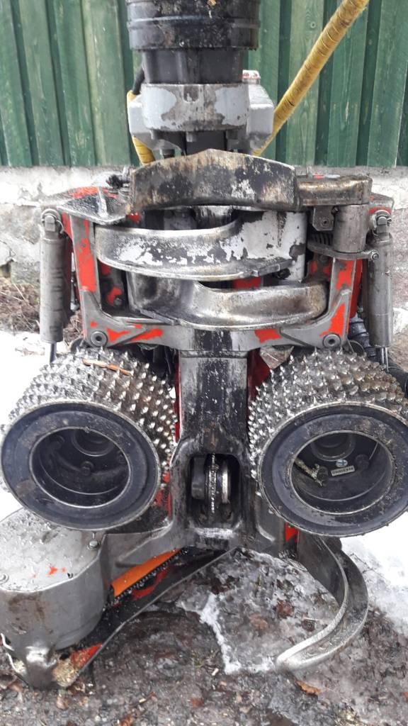 Log Max 4000B, Hakkuupäät, Metsäkoneet
