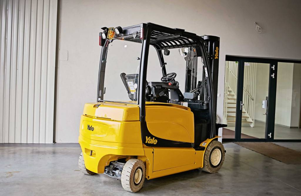 Yale ERP35VL, Electric counterbalance Forklifts, Material Handling