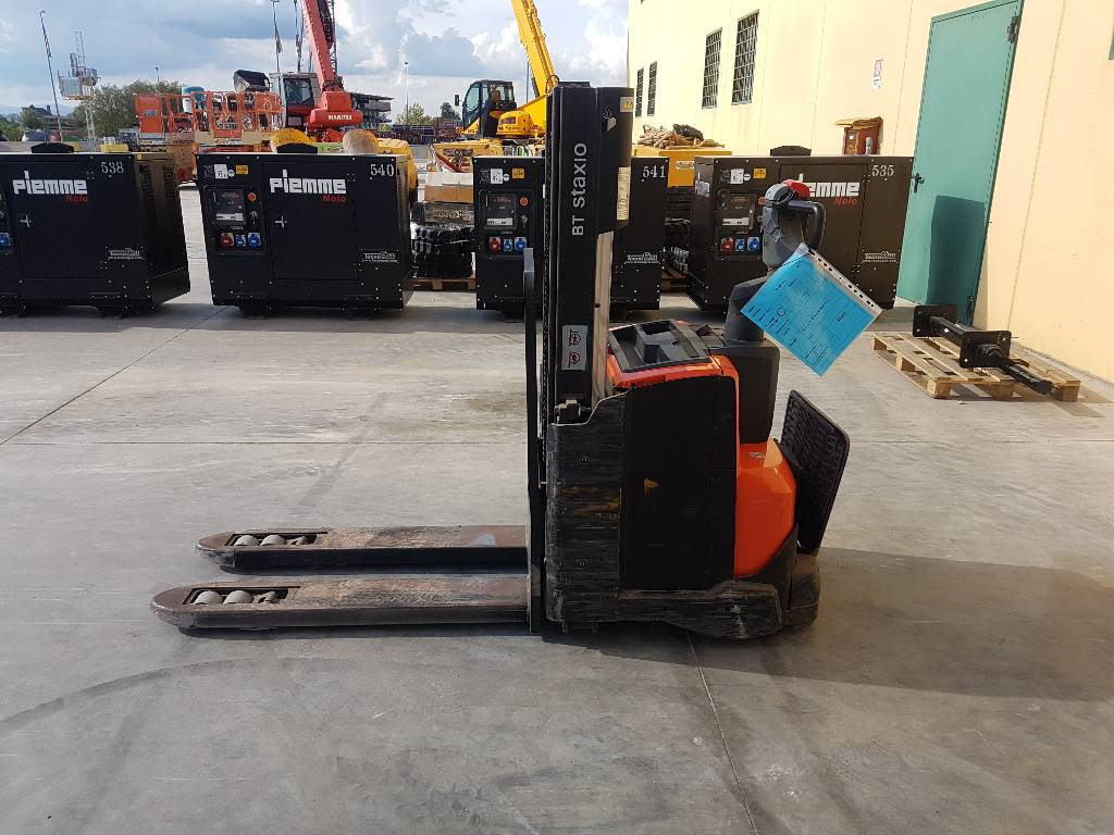 BT SWE 200 D, Transpallet uomo a terra, Movimentazione materiali
