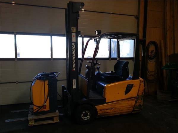 Jungheinrich EFG216K, El gaffeltrucks, Trucks