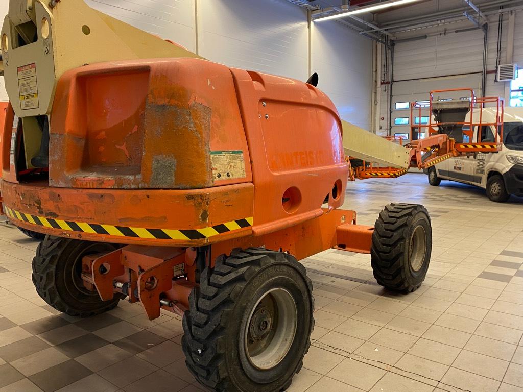JLG 460 SJ, Kuukulkijat, Maarakennus