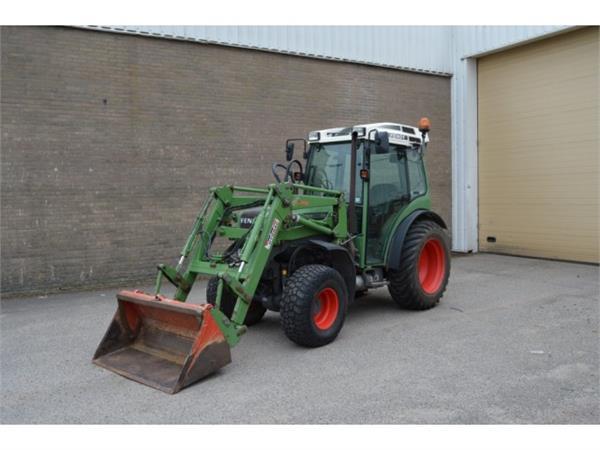 Fendt 207 FA met voorlader, Tractoren, Landbouw