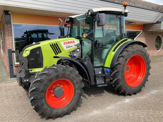CLAAS Arion 420, Tractors, Agriculture