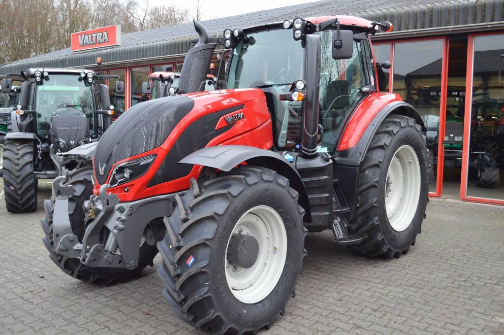 Valtra T174 Active, Tractoren, Landbouw