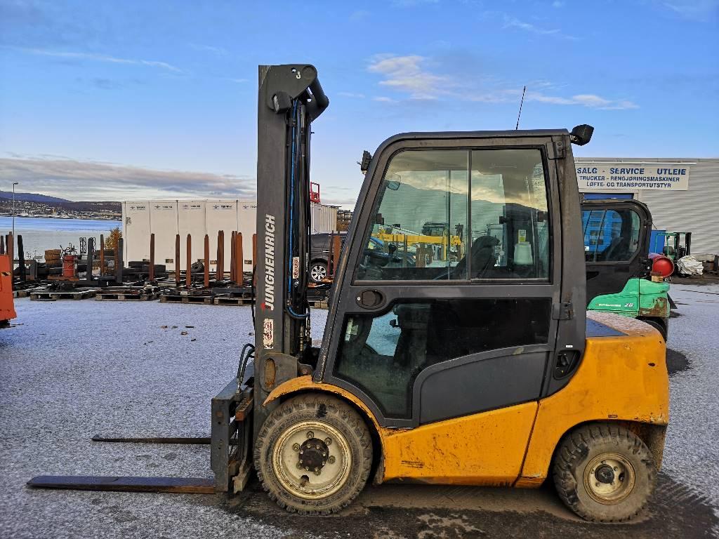 Jungheinrich DFG 430 - 3,0 t diesel - 4,0 m LH (SOLGT), Diesel Trucker, Truck