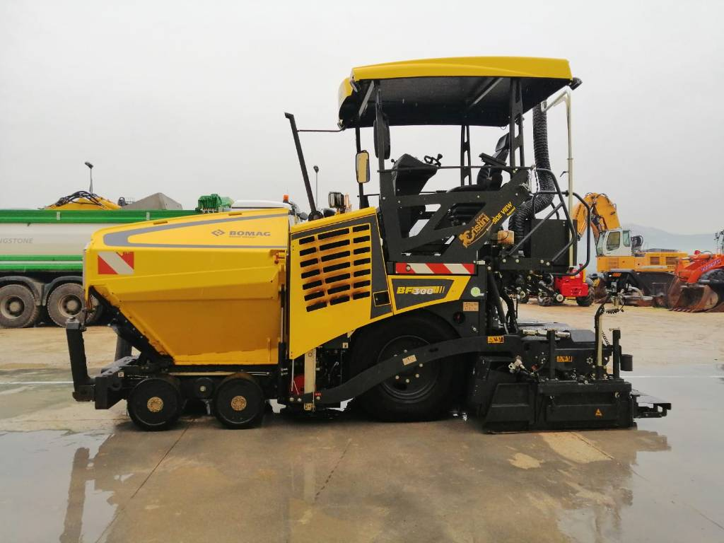 Bomag BF 300 P, Asphalt pavers, Construction Equipment