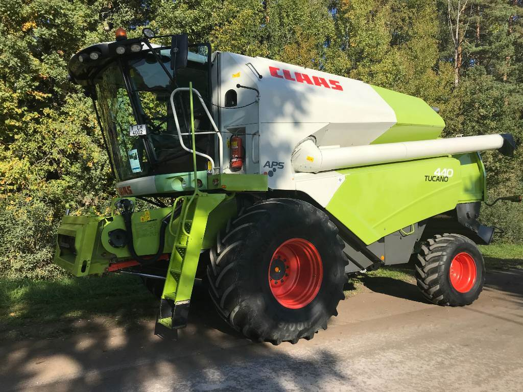 CLAAS Tucano 440, Combine harvesters, Agriculture