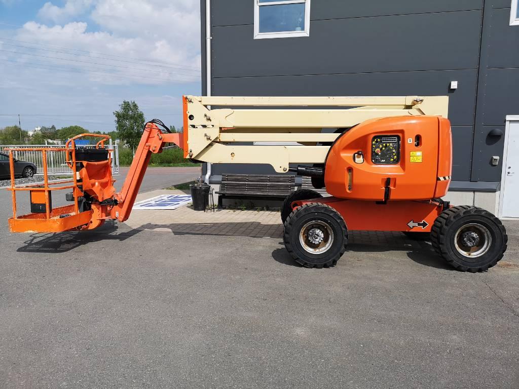 JLG 450 AJ, Bomliftar, Entreprenad