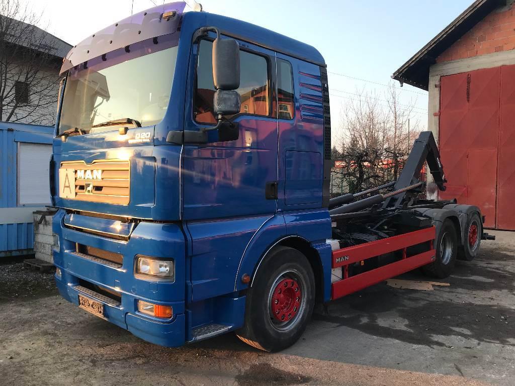 MAN TGA26.440, Rol kiper kamioni s kukama za dizanje, Transport