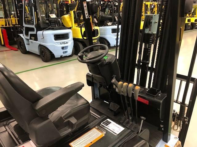 Utilev UT20PTE, Elektrische heftrucks, Laden en lossen
