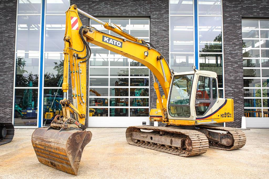 Kato HD 512-3, Crawler Excavators, Construction