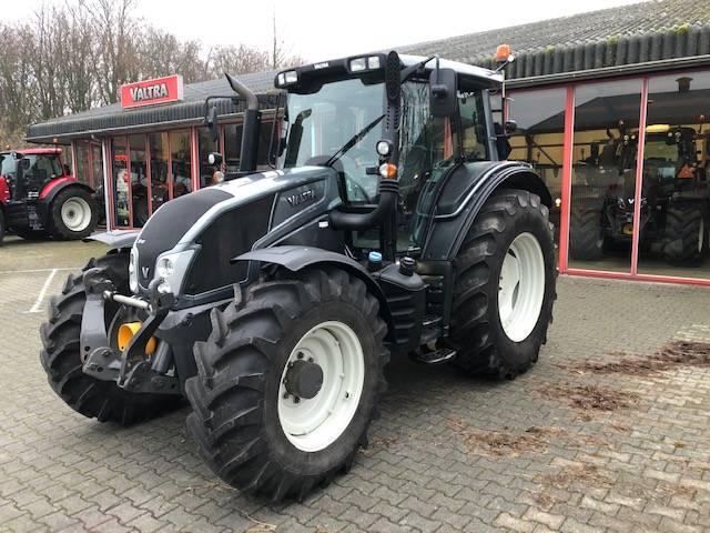 Valtra N143 HiTech, bj 2016, Tractoren, Landbouw
