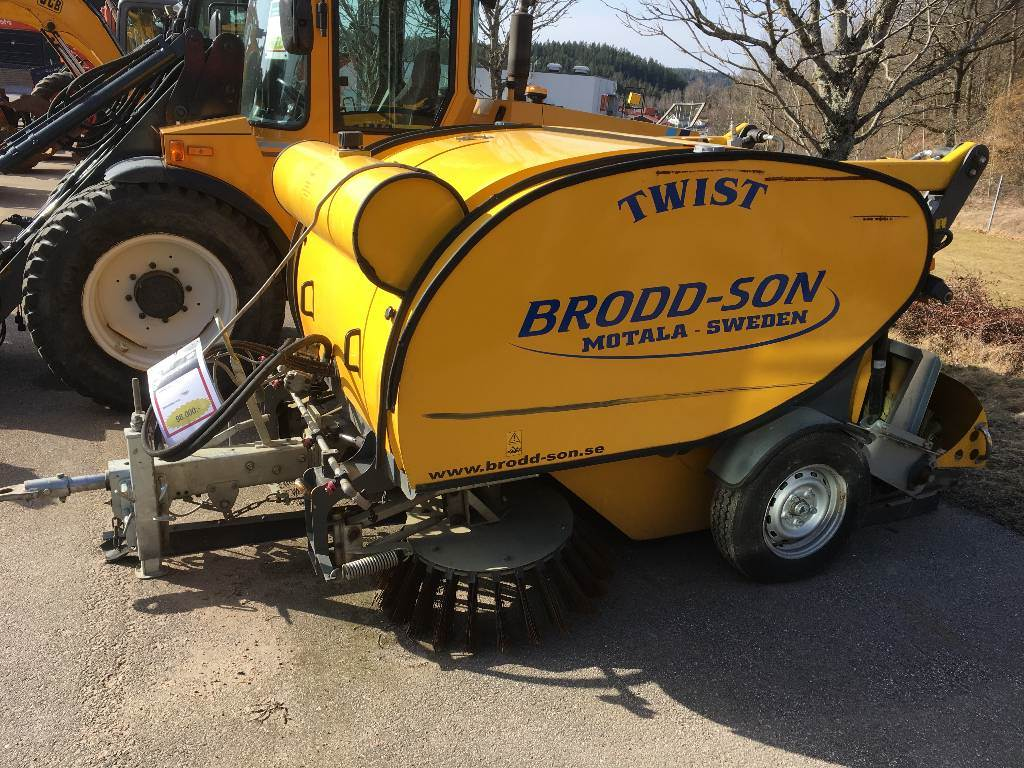 Broddson Twist, Borstar & borstskopor, Entreprenad