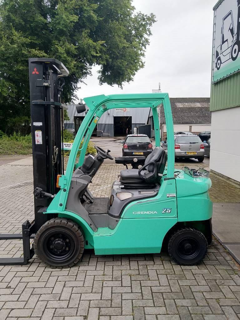 Mitsubishi FG25N Heftruck, LPG heftrucks, Laden en lossen
