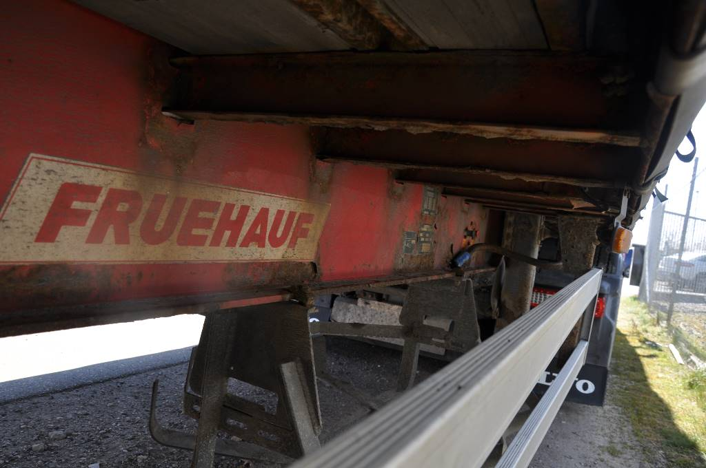 Fruehauf MEGA SPEED 3-AX, Kapelltrailer, Transportfordon