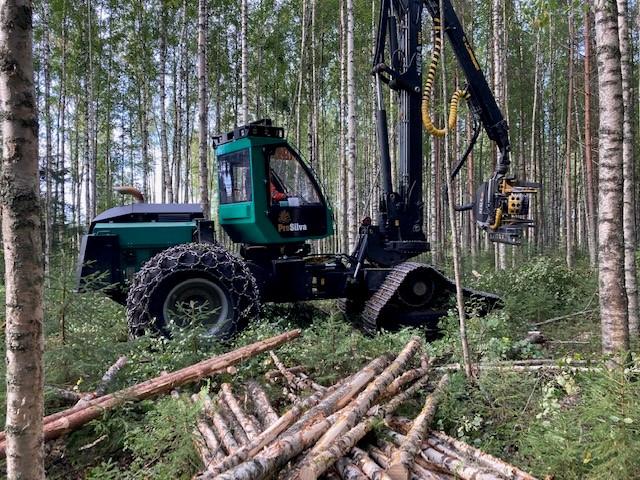 Prosilva S4, Harvesterit, Metsäkoneet