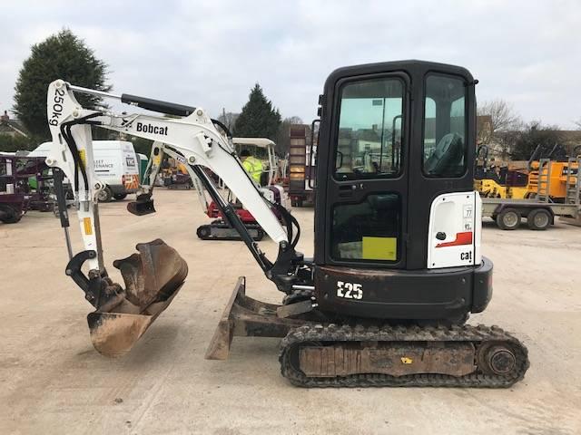Bobcat E 25, Mini excavators < 7t (Mini diggers), Construction